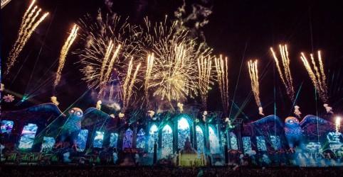Placeholder - loading - Imagem da notícia Electric Daisy Carnival acontecerá em maio