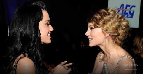 Placeholder - loading - Imagem da notícia Katy Perry indica colaboração com Taylor Swift