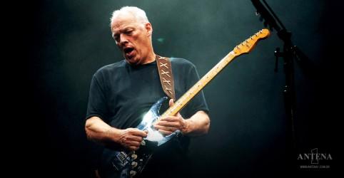 Placeholder - loading - Imagem da notícia Fleetwood Mac: David Gilmour faz performance de Albatross