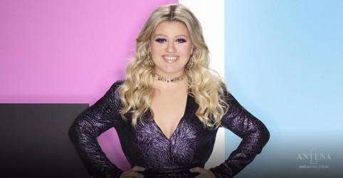 Placeholder - loading - Kelly Clarkson faz cover de Matchbox Twenty