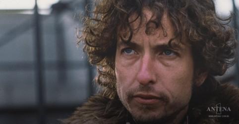 """Placeholder - loading - Imagem da notícia Bob Dylan: Os Manuscritos de """"The Times They Are-Changin"""" estão a venda"""