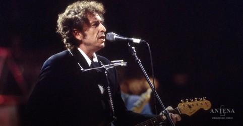 """Placeholder - loading - Imagem da notícia Bob Dylan: """"Murder Most Foul"""" lidera a parada de vendas digitais da Billboard"""