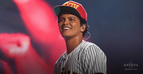 Placeholder - loading - Bruno Mars anuncia banda e novo single