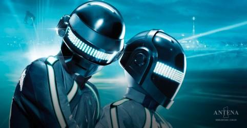 Placeholder - loading - Imagem da notícia Daft Punk: Conheça a influência dos robôs na história da música