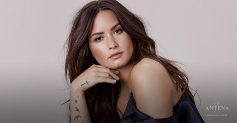 "Demi Lovato lança novo single ""I Love Me"""