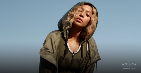 Placeholder - loading - Imagem da notícia A campanha New Ivy Park de Beyonce é lançada