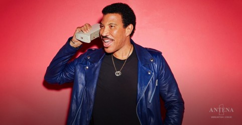 "Placeholder - loading - Imagem da notícia Lionel Richie, pensa em recriar ""We Are The World"""
