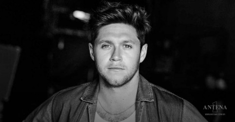 Placeholder - loading - Imagem da notícia Black and White é o novo single de Niall Horan!