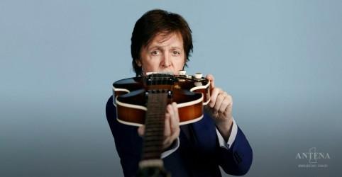 Placeholder - loading - Imagem da notícia Manuscrito original de Hey Jude de Paul McCartney é vendido em leilão