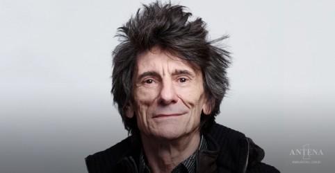 """Placeholder - loading - Imagem da notícia Ronnie Wood: """"Há algumas músicas adoráveis dos Stones em banho-maria"""""""
