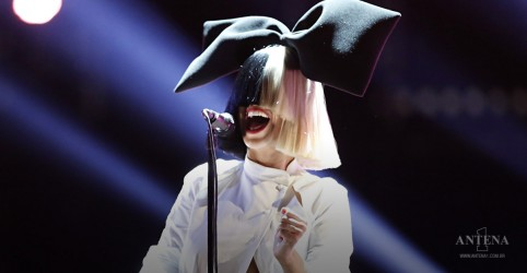 Placeholder - loading - Imagem da notícia Together é o novo single de Sia!
