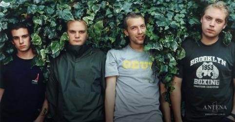 Placeholder - loading - Imagem da notícia Coldplay: BTS faz cover de FIx You e impressiona banda
