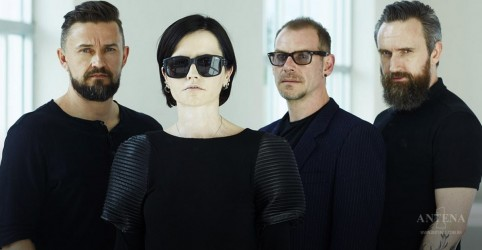 """Wake Me When It's Over"" é o novo single do The Cranberries; ouça"