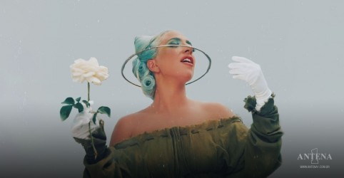 Placeholder - loading - Imagem da notícia Lady Gaga fala sobre pedido dos fãs para segunda parte de disco