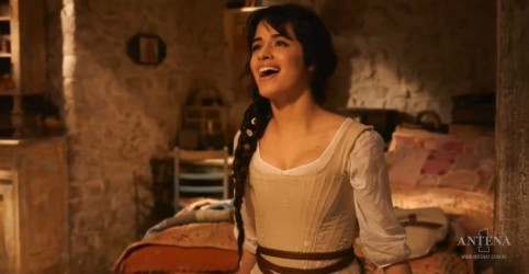 Placeholder - loading - Camila Cabello: Retornam as filmagens de Cinderella