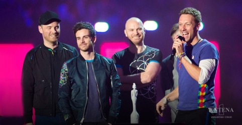 Placeholder - loading - Imagem da notícia Coldplay: veja como foi apresentação da banda no iHeartRadio Music Festival