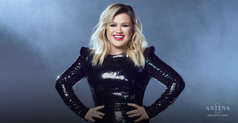 Placeholder - loading - Kelly Clarkson faz cover de 'Adore You', de Harry Styles; assista