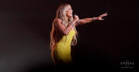 Placeholder - loading - Imagem da notícia Mariah Carey faz primeira apresentação ao vivo de canção