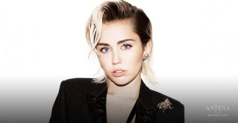 Placeholder - loading - Imagem da notícia Miley Cyrus confirma participação de Billy Idol e Dua Lipa em próximo álbum