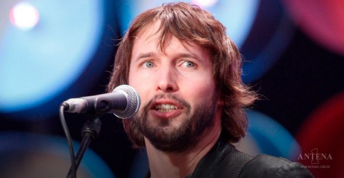 """Cold"", de James Blunt, ganha clipe com referências a ""You're Beautiful"""