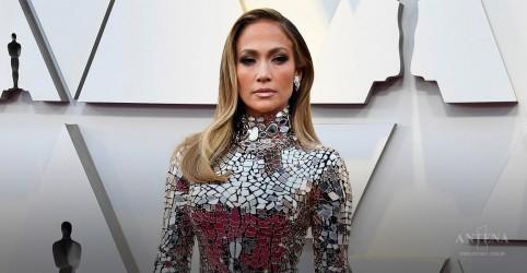 Placeholder - loading - Imagem da notícia Jennifer Lopez completou 50 anos nesta semana