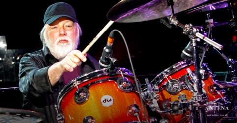 Placeholder - loading - Imagem da notícia Ronnie Tutt, baterista de Elvis Presley, morre aos 83 anos