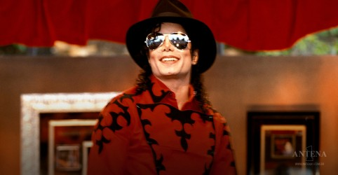 Placeholder - loading - Imagem da notícia Michael Jackson é o artista falecido que mais fatura no globo