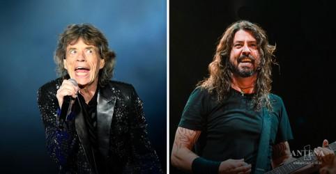 Placeholder - loading - Imagem da notícia Mick Jagger recruta Dave Grohl para a nova música Eazy Sleazy