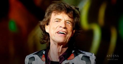 Mick Jagger dá notícias após cirurgia no coração
