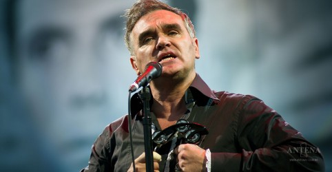 Placeholder - loading - Imagem da notícia Morrissey lança cover de Roy Orbison; ouça