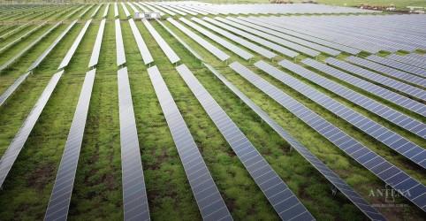 Placeholder - loading - Imagem da notícia AES Tietê inaugura complexos solares em São Paulo