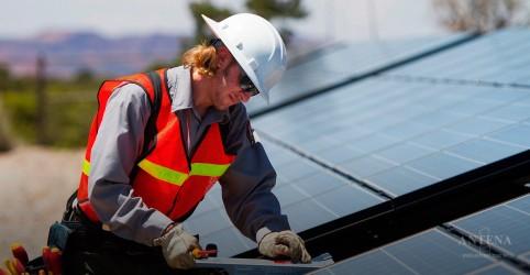 Estudo comprova que painéis fotovoltaicos flutuantes são ainda mais eficientes