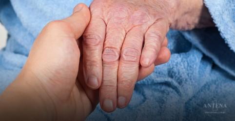 Japão testa possível tratamento contra Parkinson