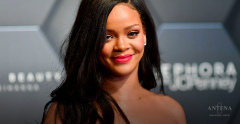 Placeholder - loading - Imagem da notícia Rihanna é a mulher mais rica do mundo da música