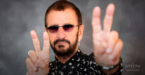 Placeholder - loading - Ringo Starr se emociona com gravação que reúne os Beatles