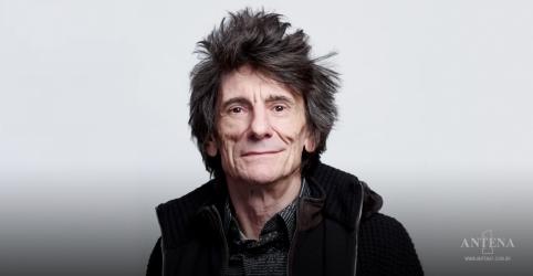Placeholder - loading - Imagem da notícia Rolling Stones: Ronnie Wood revela batalha contra câncer pela segunda vez