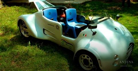 Placeholder - loading - Imagem da notícia Conheça o Sicarú, carro que não contamina nada o meio-ambiente