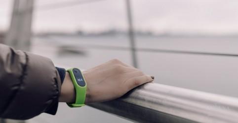 Placeholder - loading - Imagem da notícia Fitbit faz parceria com farmacêutica para salvar vidas