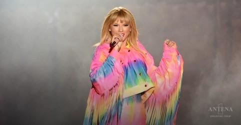 "Placeholder - loading - Taylor Swift se apresentará ao vivo na TV norte-americana perto da data de lançamento de seu álbum ""Lover"""