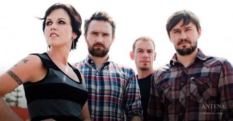 """Placeholder - loading - """"Zombie"""", do The Cranberries, ganha versão ao vivo em vídeo"""