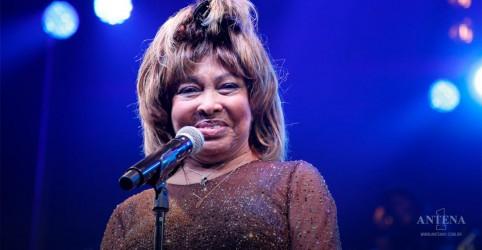 Placeholder - loading - Imagem da notícia Tina Turner aparece na estreia do musical da Broadway sobre sua história