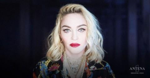 Placeholder - loading - Trajes de Destiny's Child e Madonna à venda em leilão
