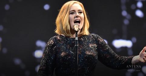 Placeholder - loading - Imagem da notícia Adele lucra US$31 mil por dia