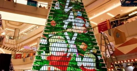 Placeholder - loading - Imagem da notícia Árvore de natal diferente quebra recorde na Ásia