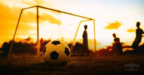 Esportes em equipe trazem mais benefícios, um deles é a longevidade