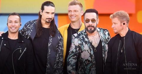 Placeholder - loading - Imagem da notícia Backstreet Boys canta hits da carreira