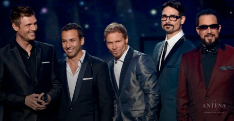"""Don't Go Breaking My Heart"" é o novo single do Backstreet Boys"