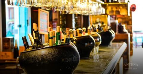 Placeholder - loading - Imagem da notícia Confira os 50 melhores bares do mundo