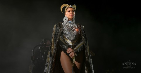 Placeholder - loading - Imagem da notícia Beyoncé de volta aos palcos