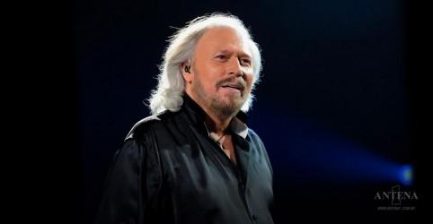 Placeholder - loading - Imagem da notícia Barry Gibb recebe título no Reino Unido